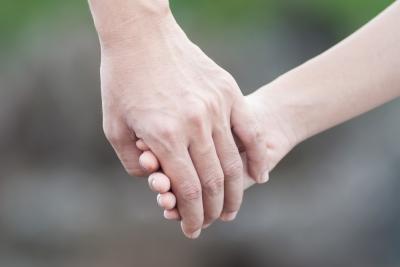 rp_holding-hand.jpg