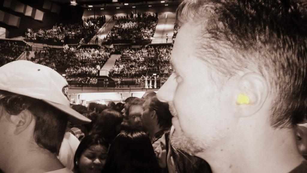 Füldugóval is fantasztikus élmény a koncert, a halláskárosodás veszélye nélkül